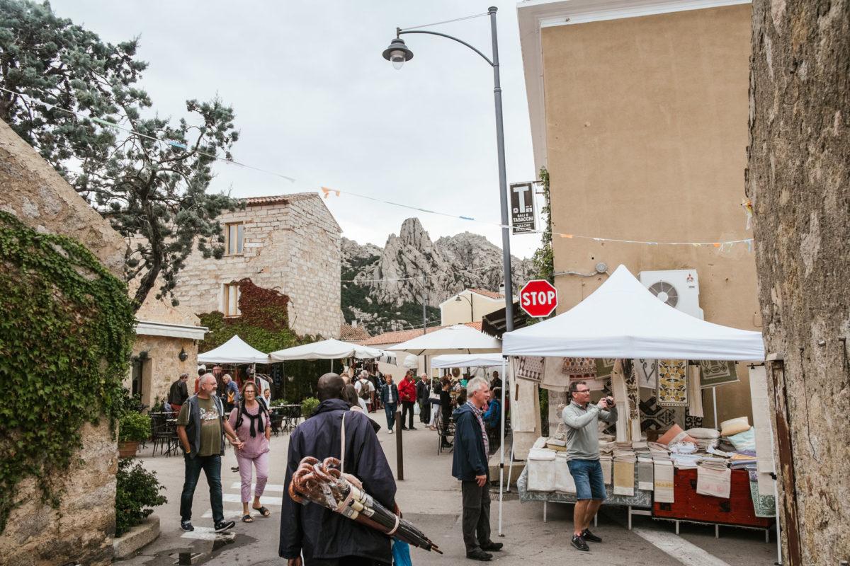Der Wochen Markt in San Pantaleo